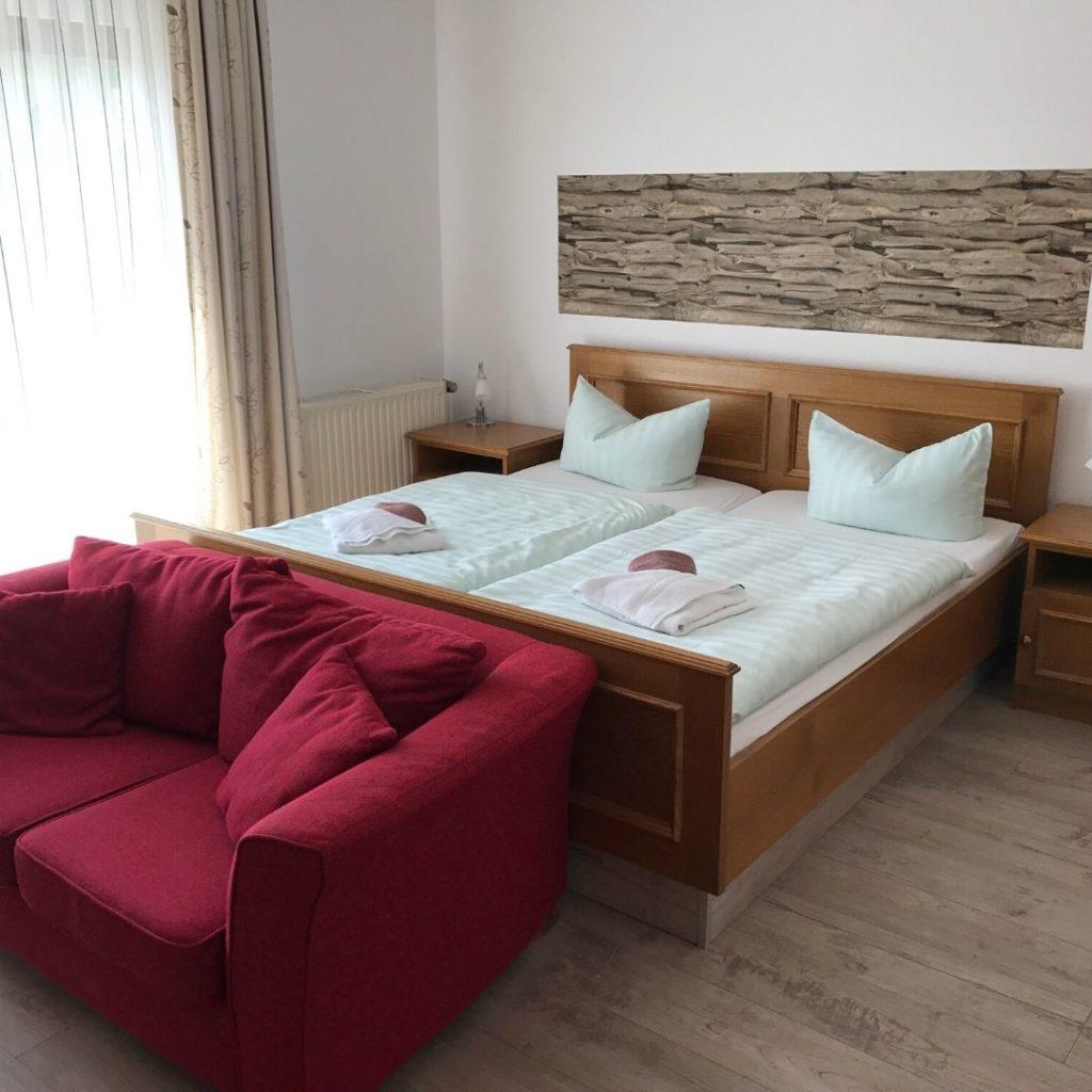 hotel-rhoenpaulus-zimmer-dreibettzimmer